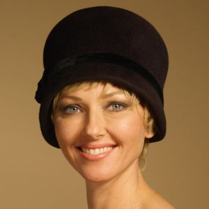 CB156 Cloche hat block