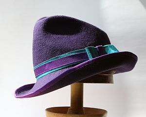 CB158 Asymmetric trilby crown